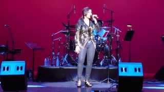 Shreya Ghoshal Preforming Live in Broward County, Florida singing Teri Meri