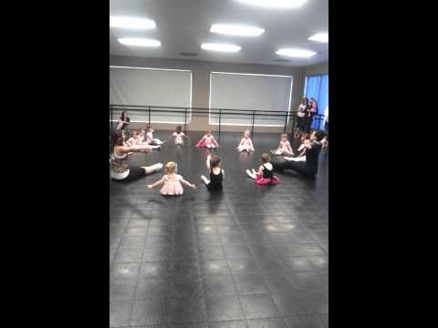 My 3 year old baby's ballet class