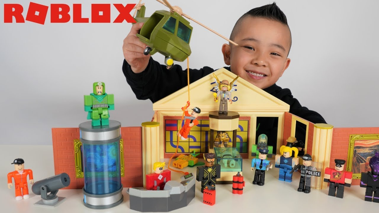 Roblox JAILBREAK Museum Heist and Heroes Of Robloxia Playset CKN Toys