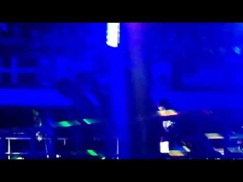 NKOTB Cruise 13-Danny & Joe perform