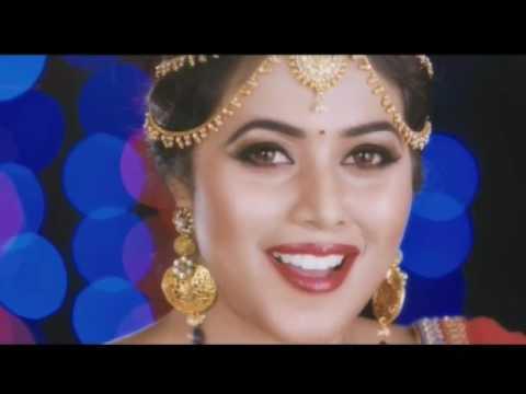 Shamna kasim Poorna hot