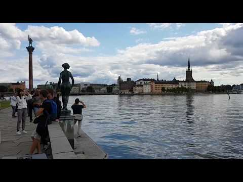 إطلالة بحرية على ستوكهولم بجوار مبنى البلدية& Overlooking Stockholm by the Municipality of the city