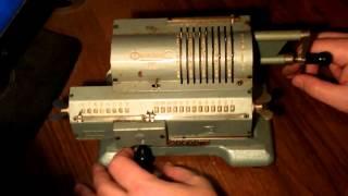советская счетная машинка (арифмометр)
