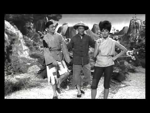 Bing Crosby, Bob Hope & Joan Collins - Teamwork