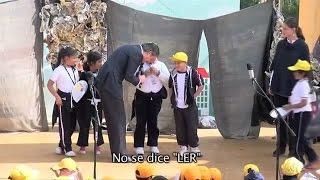 """Una niña mexicana corrige a secretario de Educación por pronunciar mal """"leer"""""""
