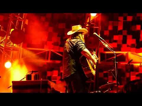 Ric Rush - Chris Stapleton Announces Initial 2020 Tour Dates & Openers