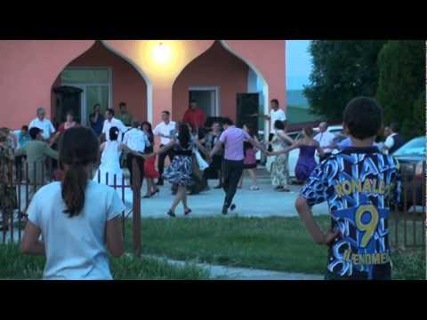 BLAGESTI (VASLUI )..Nunta Lui Sandu Luchita ,,Poiata,,..Party La Maxim..1