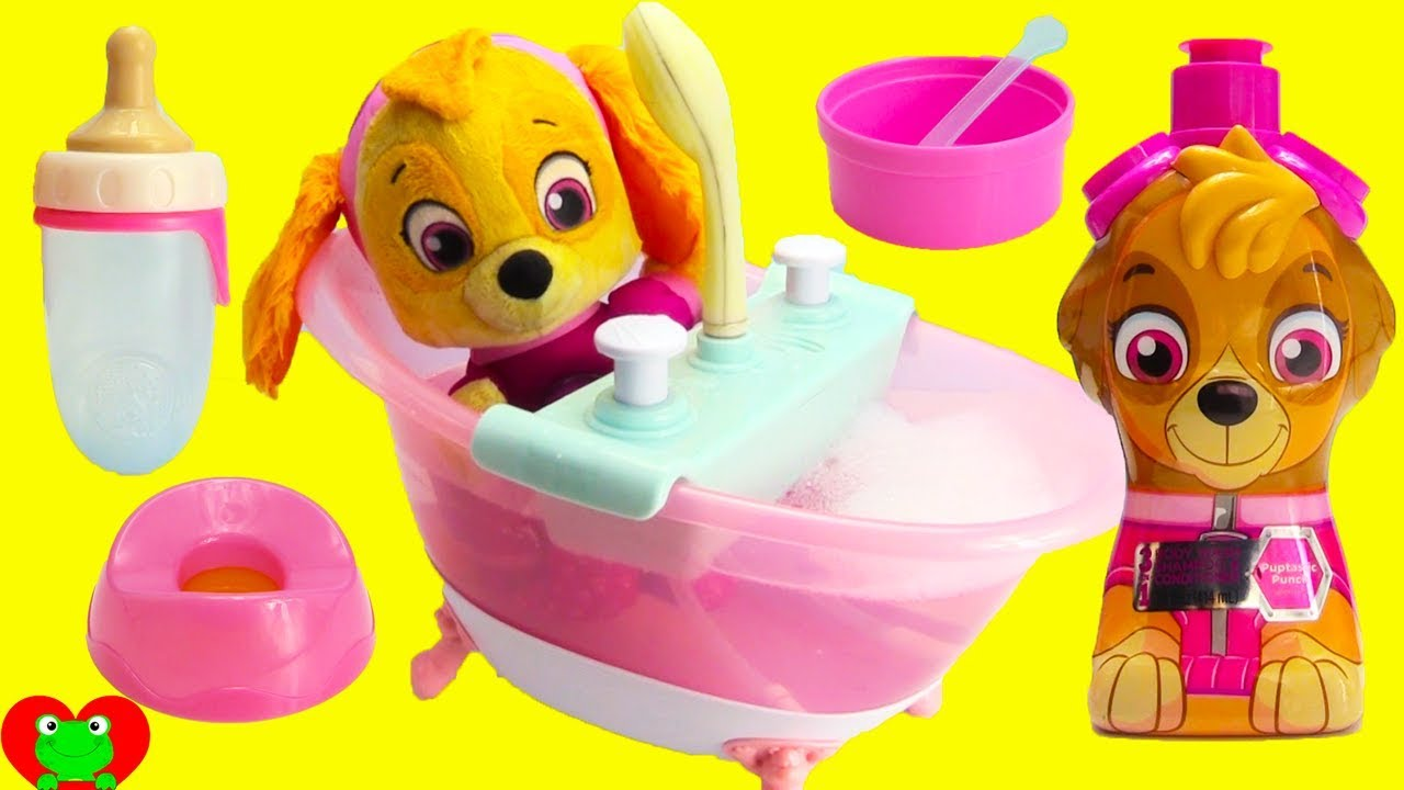 Very Paw Patrol Skye Deluxe Bath Tub Eats, Potty, Diaper, and Bath Time  QM44