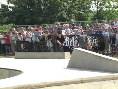 PJ LADD Skateboarding PLAN B Demo AT...