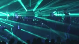 Massive Attack - Splitting the Atom live @ Lucerna Prague 03.11.2009