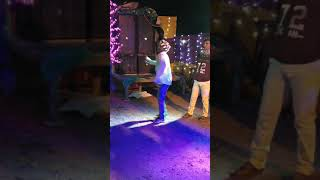 Funny dance to (Dance Entertainment)(2)