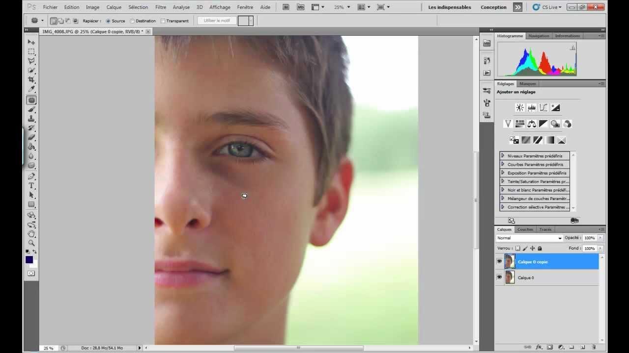 Tuto bien utiliser l 39 outil pi ce sur photoshop cs5 youtube for Outil miroir photoshop