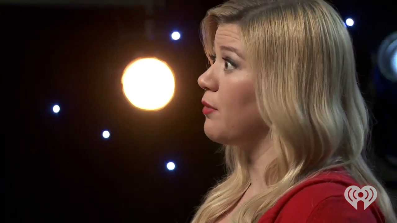 Kelly Clarkson - Live - Please Come Home For Christmas (iHeartRadio ...