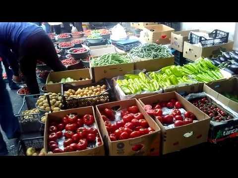 Дешевый хороший рынок Еревана -  вечерний рынок в центре, май 2019 | туризм в Армении