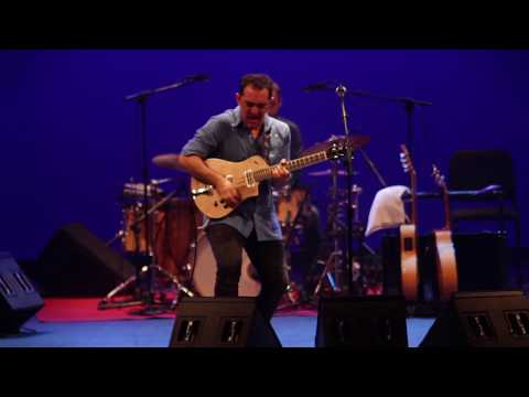 Raúl Rodríguez: 'La Raíz Eléctrica Live' (Afro-flamenco-Eléctrico)