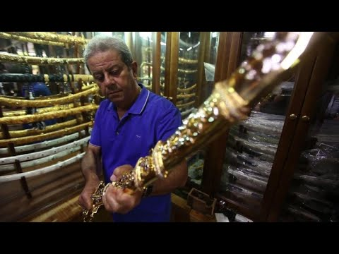 Syria's traditional Damascus sword survives despite conflict