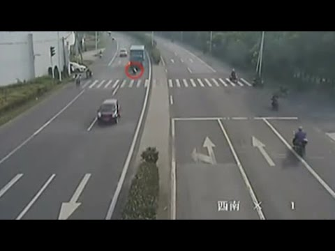Only In China/China Car Accident Compilation INSANE 2016