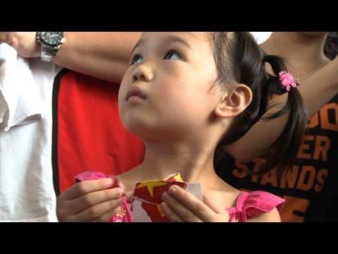Hong Kong parents fight China 'brainwashing'