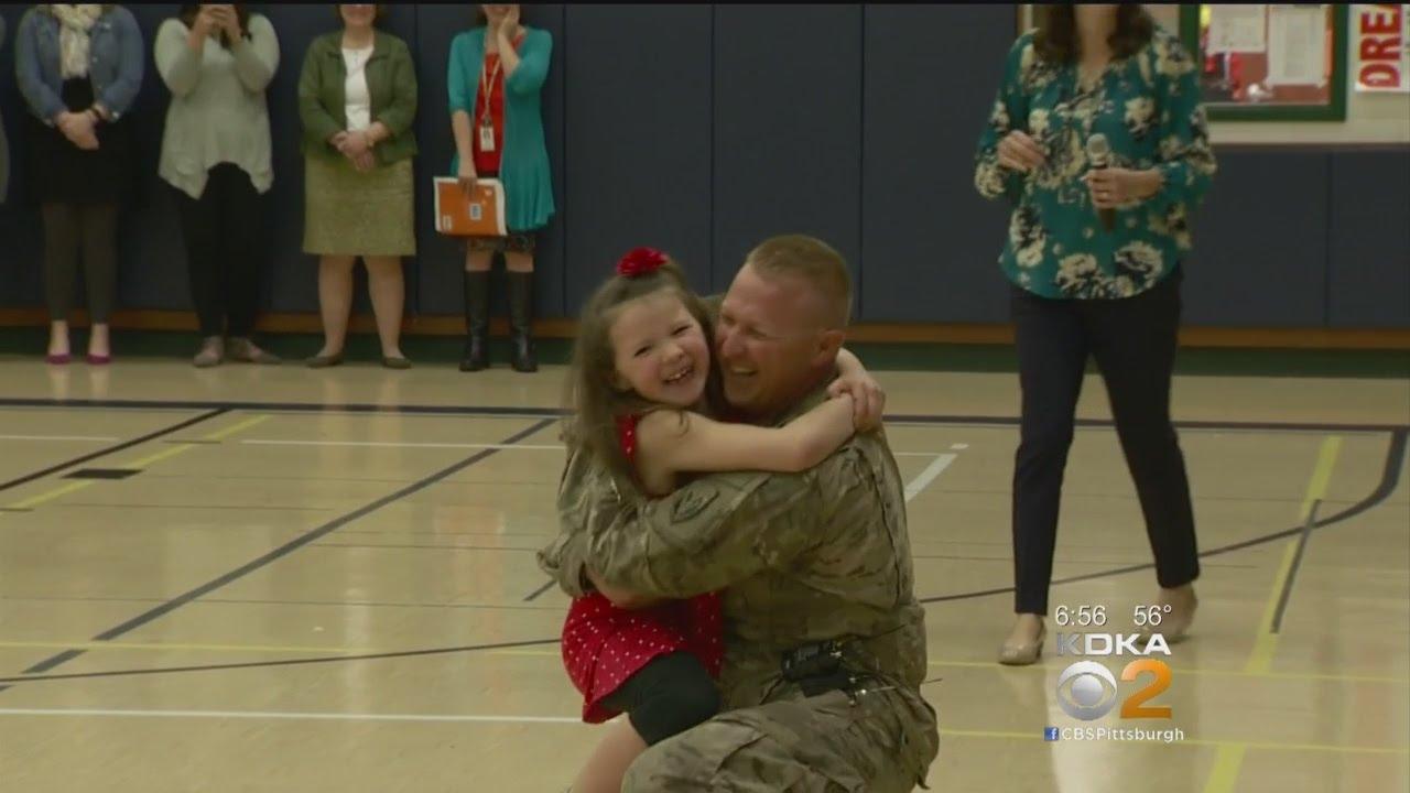 Military Dad Surprises Daughter At Elementary School