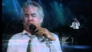 Enrique Guzmán - Anoche No Dormí (En Vivo)