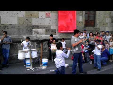 Banda De Niños Con Instrumentos Reciclados En Guadalajara, Jalisco