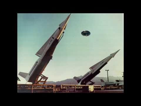 Gli UFO  hanno fermato le bombe atomiche