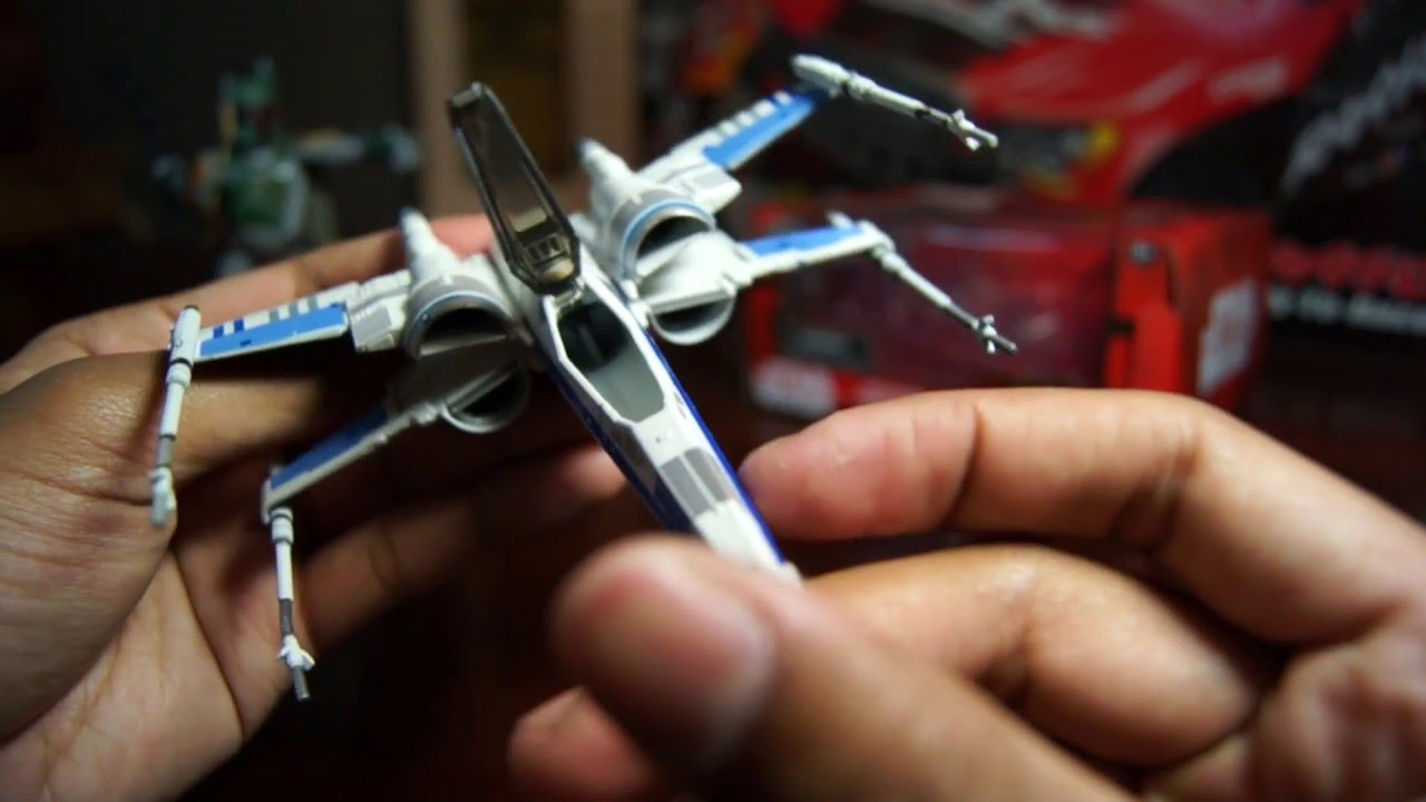 Disney Diecast X Wing Resistance X Wing Fighter Star Wars The Force Awakens Die Cast Vehicle Figure Review