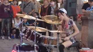 싸이 강남스타일 드럼연주하는 예쁜소녀 Gangnam style. I play drum a pretty girl  江南风格的漂亮的架子鼓演奏少女