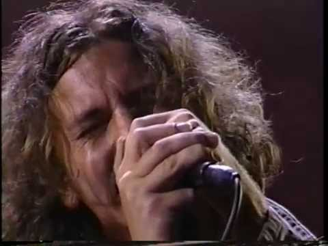 Pearl Jam  Animal  Rockin in The Free World MTV Awards 9021993