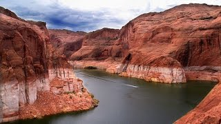 Top 10 Most Beautiful Lakes In The USA