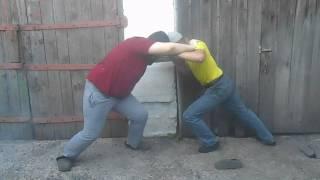 Борьба сумо в ограде я против Александра Сафонова.