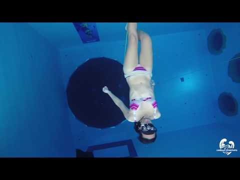 Freediving in Dive cube (21m deep pool) in Taichung, Taiwan