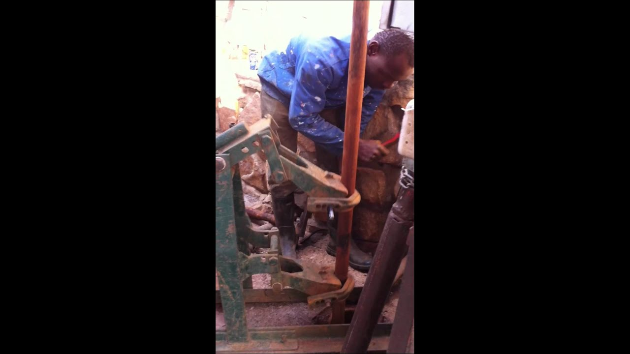 Well Pump Puller >> Pull a Mono Pump from a borehole[4].MOV - YouTube