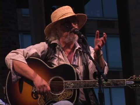 Arlo Guthrie being Hilarious !!! including Coming Into Los Angeles