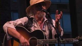 "Arlo Guthrie being Hilarious !!! including ""Coming Into Los Angeles"""