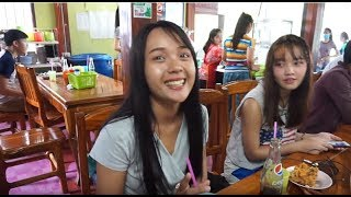 สาวลาวชอบมากิน ຄູວຽງຈືນຂາໄກ່ (คูเวียงขาไก่ทอด) คูเวียง ร้านดังของคนลาว กินกันไม่มีที่นั่งกันเลย EP1