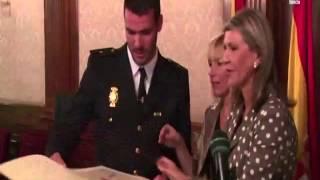 Lleidatv reconocimiento al polic a nacional for Oficina dni lleida