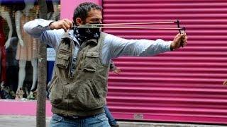 Polis ve eylemciler arasında çatışma - BBC TÜRKÇE