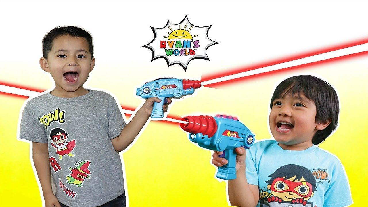 2019 Ryans World Laser Tag for Kids Infared Blasters Ryan/'s LaserTag Vibrates