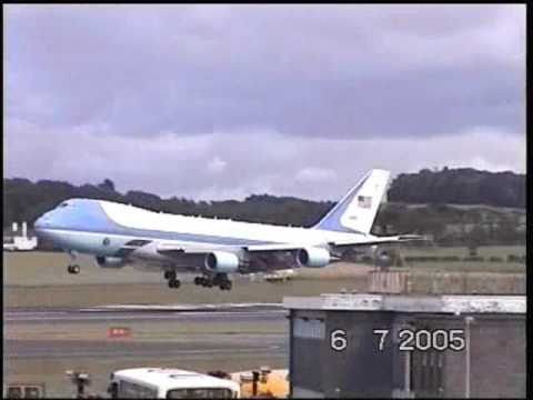 Air Force One landing at Prestwick