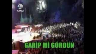 Mustafa Sandal'dan Türkmence şarkı (Türkmenistan Konseri 2012)
