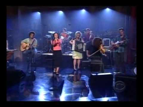 NATALIE MERCHANTlive on letterman 'o2