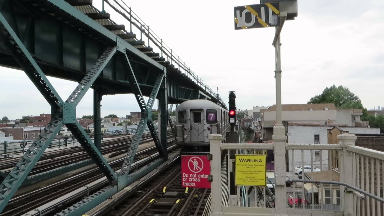 how to get to manhattan by train