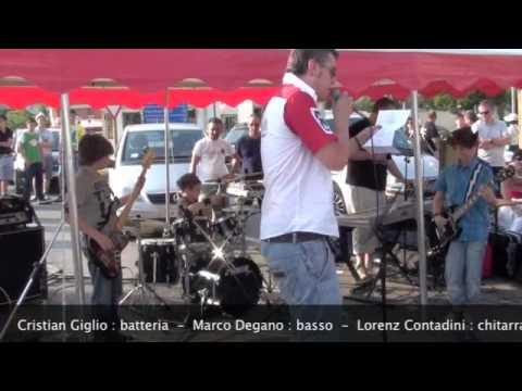 Gli AB-CD suonano gli AC-DC a Itinerannia.m4v