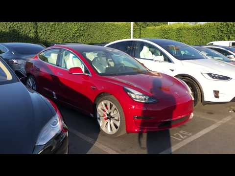 Video: First Walkaround of the Tesla Model 3 Performance - Wide Open