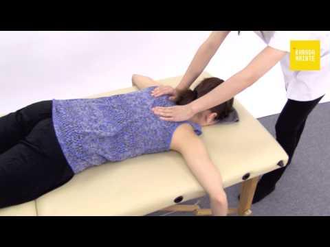01肩周辺のマッサージのやり方(うつ伏せ両側~左側)