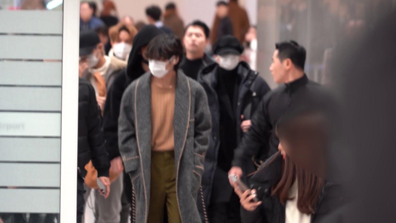 200102 방탄소년단 (BTS) 뉴욕타임스퀘어 공연 마치고 돌아왔습니다~~~ @인천국제공항 4K 직캠 ~ by무명