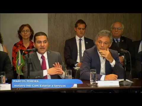 Na Argentina, ministro Marcos Pereira buscar maior inserção do Brasil no comércio