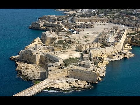 Malta. Fort Ricazoli. Grand Harbour.