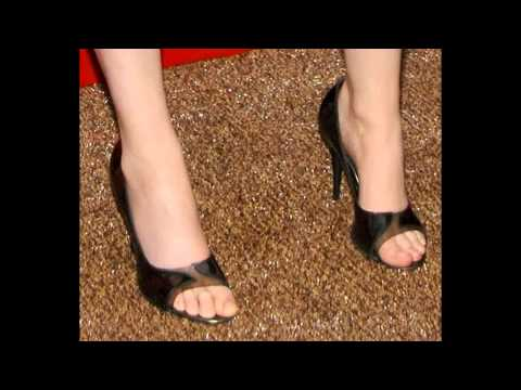 Emily Deschanel's explosive birthday feet - YouTube